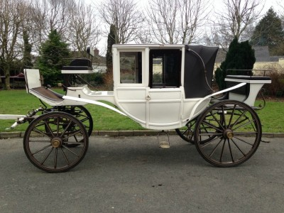 Melia Carriage Hire Weddings